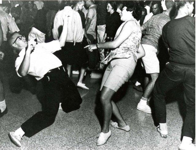 saffrons rule dance conterst